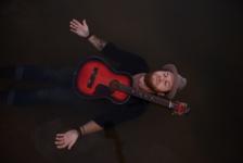 singer songwriter renn music americana indie water guitar