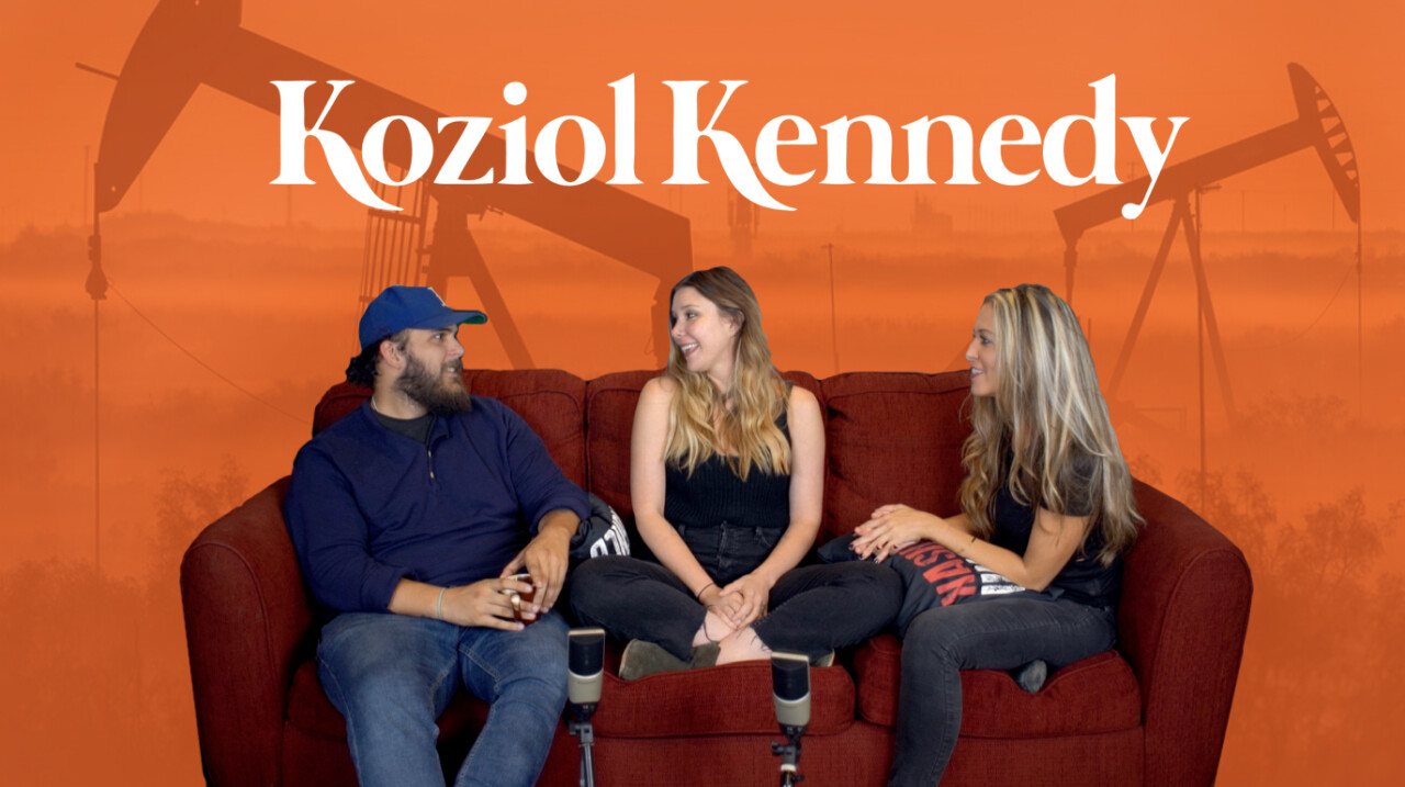 KOZIOL KENNEDY sits on the red couch interview with NASHVILLE UNSIGNED